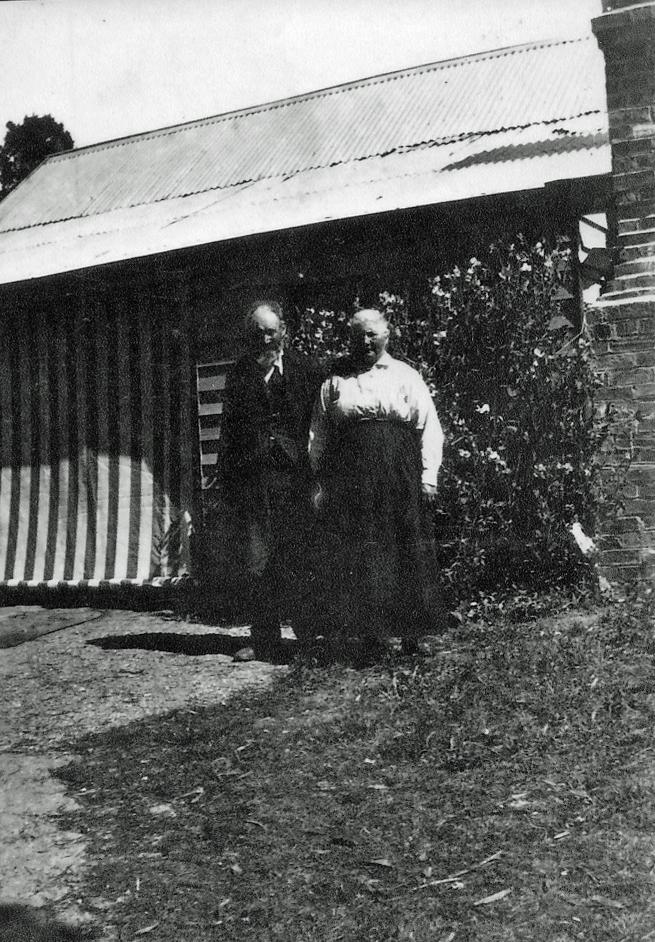John and Elizabeth Stewart, Neill Street Beaufort