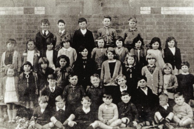 Rene Duncan second-back row, far right. Reproduced courtesy of theTalbot Arts & Historical Museum Inc.